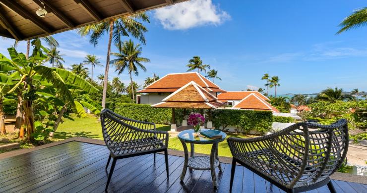 Beachside 4 Bed Tropical Garden Villa in Bangrak-6