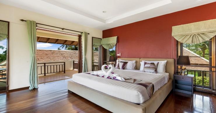 Beachside 4 Bed Tropical Garden Villa in Bangrak-10