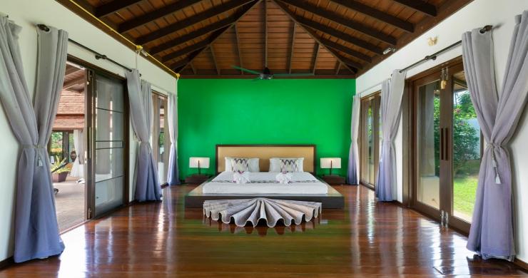 Beachside 4 Bed Tropical Garden Villa in Bangrak-21