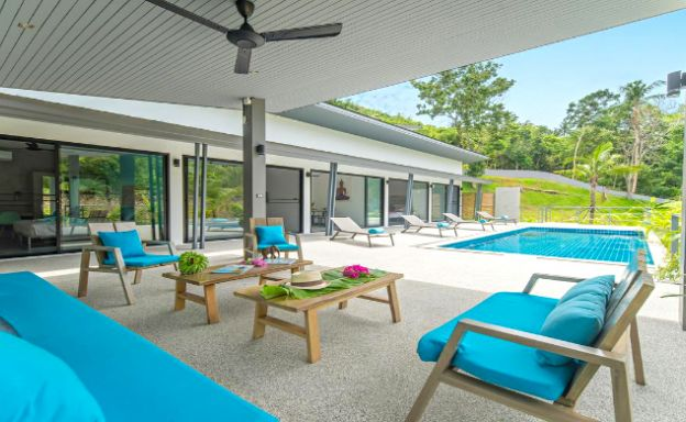 Beautiful 4 Bedroom Private Pool Villa In Maenam
