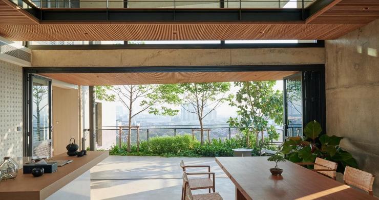 Luxury 4 Bedroom Loft Residence in Bangkok-9
