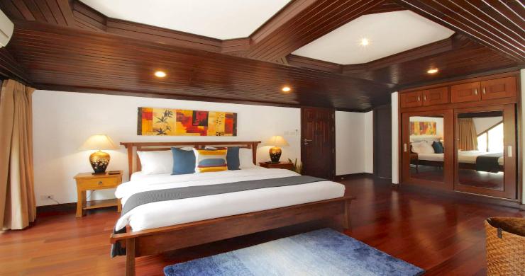 Charming 3 Bed Tropical Beachfront Villa in Laem Yai-12