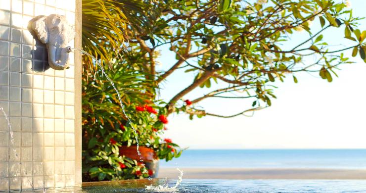 Charming 3 Bed Tropical Beachfront Villa in Laem Yai-13
