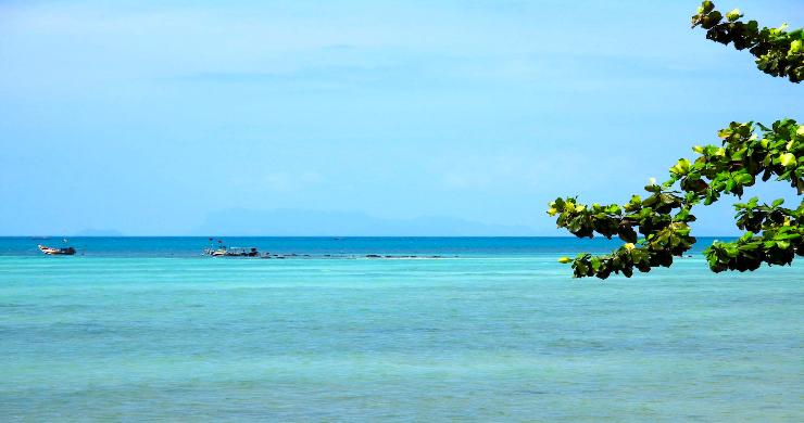 Charming 3 Bed Tropical Beachfront Villa in Laem Yai-17