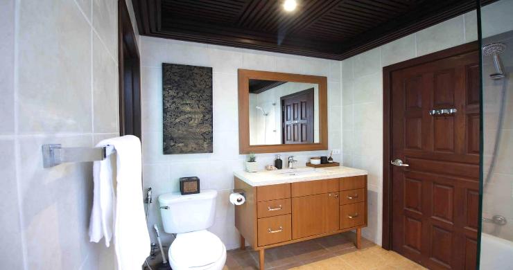 Charming 3 Bed Tropical Beachfront Villa in Laem Yai-10