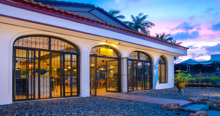 Chic Asian Fusion Restaurant for Sale in Maenam-2
