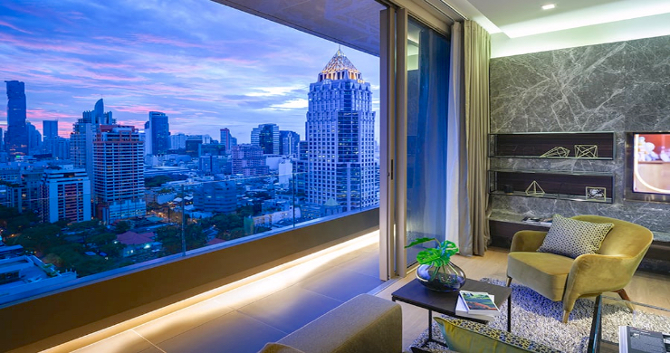 Luxury 3 Bed Penthouse with City Views in Bangkok-16