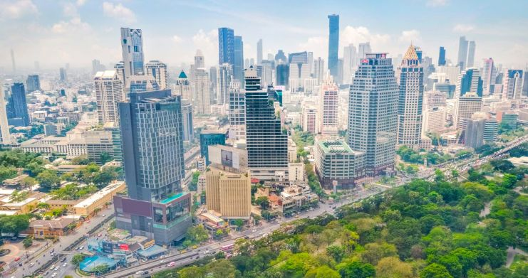 Luxury 3 Bed Penthouse with City Views in Bangkok-4