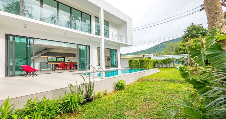 New Modern 4 Bed Pool Villa in Peaceful Maenam-4