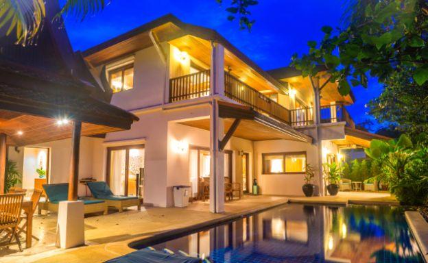 Tropical 4 Bedroom Beachside Villa in Hua Thanon