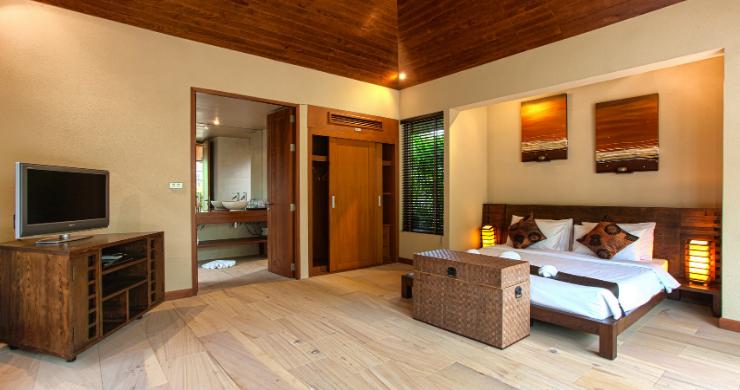 Elegant 5 Bedroom Beachfront Villa in Thong Krut-8