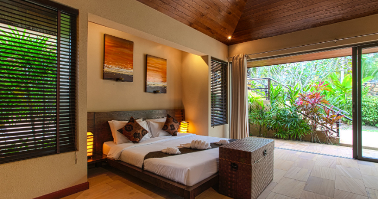 Elegant 5 Bedroom Beachfront Villa in Thong Krut-21