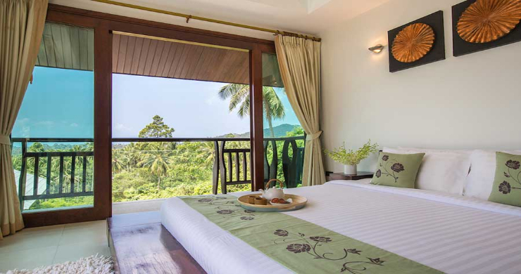 Expansive 6 Bedroom Sea View Villa in Maenam-11