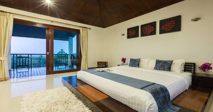 Expansive 6 Bedroom Sea View Villa in Maenam-10