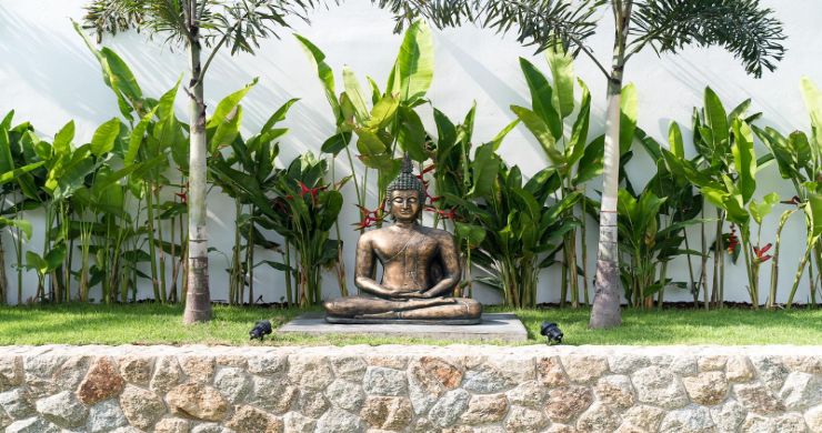 Balinese 3 Bed Large Garden Pool Villa in Maenam-18