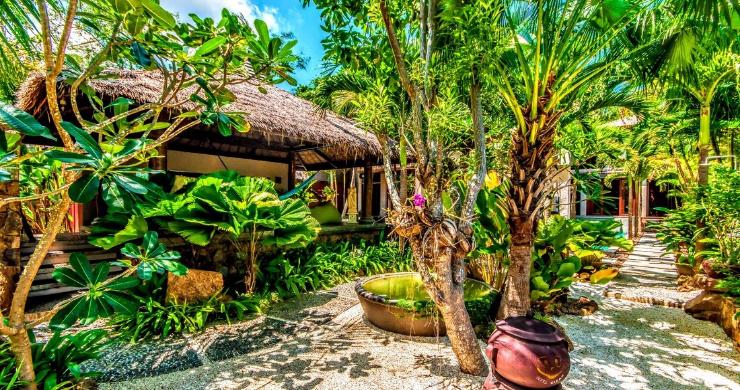 Stunning 3 Bed Bali Style Garden Villa in Bophut-17
