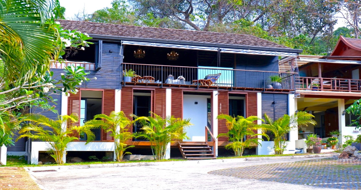 Beachfront 3 Bedroom Sea View Villa on Laem Yai Bay-5