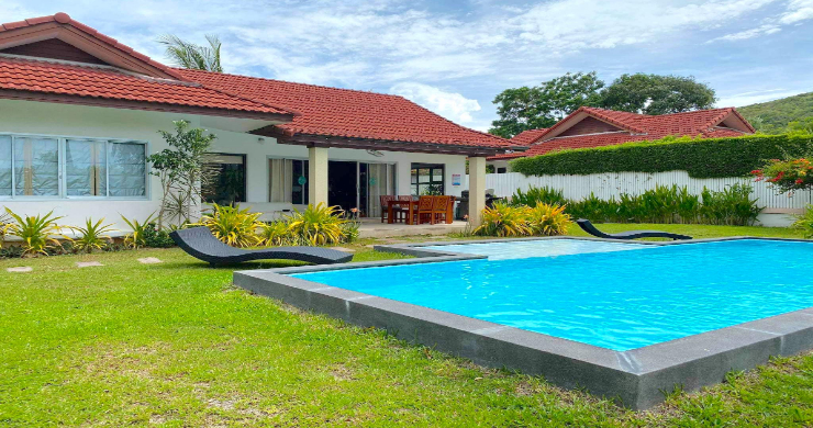 Tropical 2 Bedroom Pool Villa for Sale in Bangrak-6