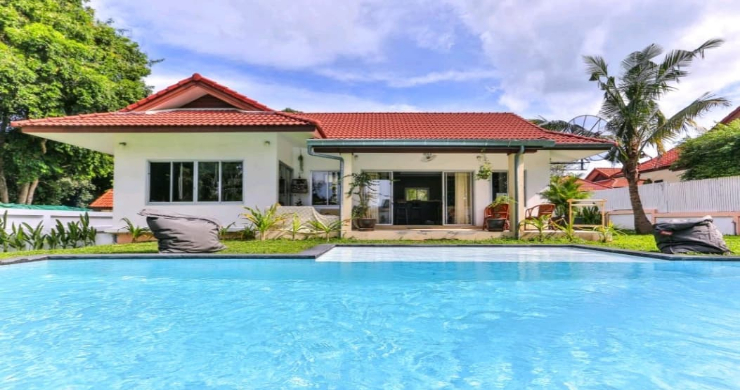 Tropical 2 Bedroom Pool Villa for Sale in Bangrak-8