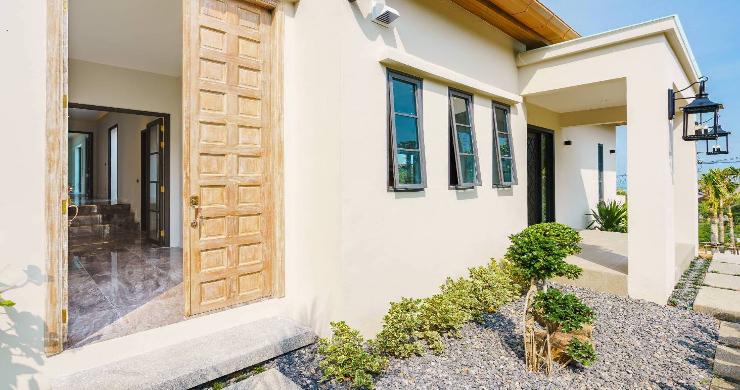 Sumptuous 4 Bed Luxury Sea View Villa in Plai Laem-16