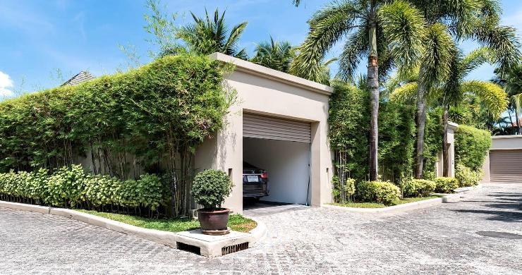 Stylish 3 Bed Beachside Pool Villa in Phuket-14