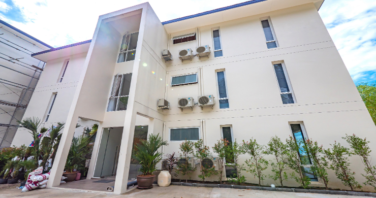 Charming 2 Bed Modern Apartment for Sale in Bangpor-18