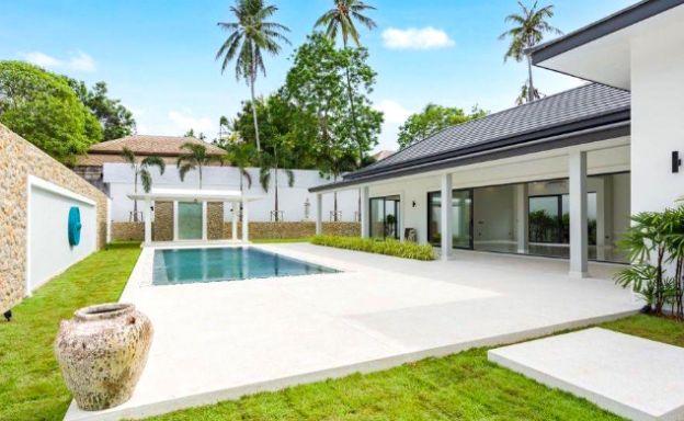 koh-samui-luxury-villa-big-garden-maenam