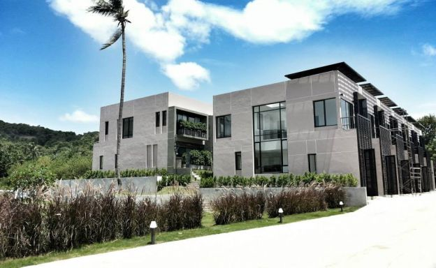 New Affordable 3 Bedroom Modern Houses by Beach