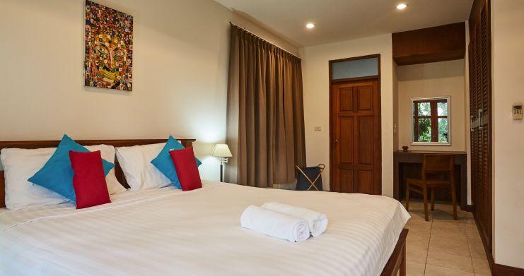Exclusive 4 Bedroom Tropical Pool Villa in Plai Laem-9
