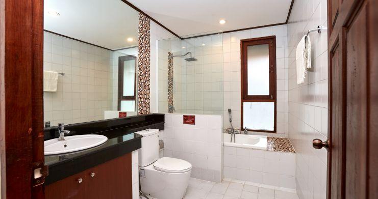 Exclusive 4 Bedroom Tropical Pool Villa in Plai Laem-16