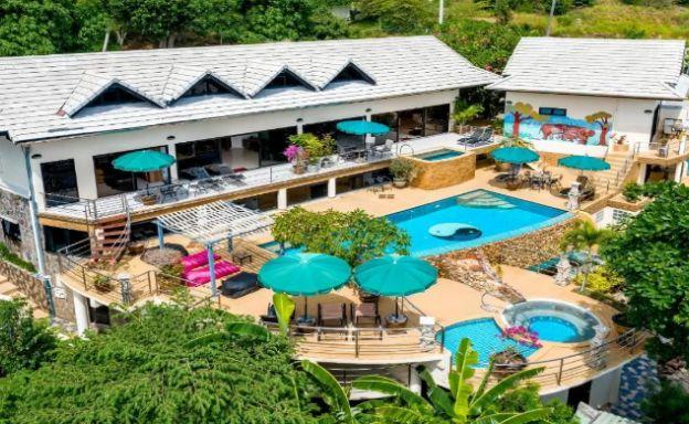 Unique 14 Bedroom Tropical Pool Villa in Bophut
