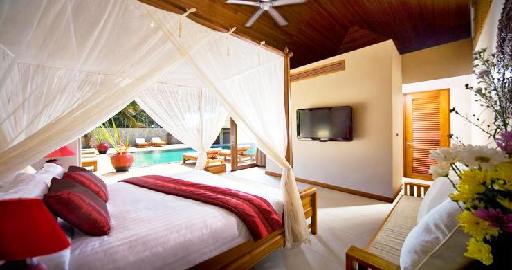Glorious 6 Bedroom Beachfront Gem of Villa in Lipa Noi-8