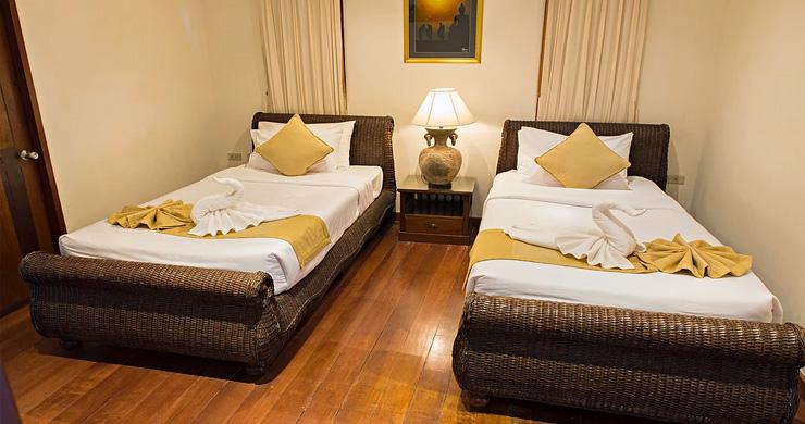 4 Bedroom Beachfront Pool Villa in Hua Thanon-10