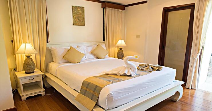 4 Bedroom Beachfront Pool Villa in Hua Thanon-8