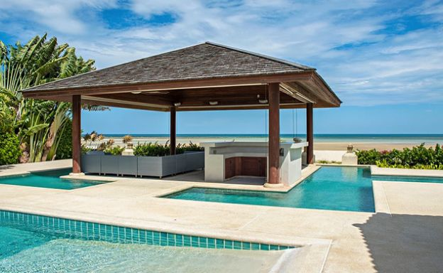 4 Bedroom Beachfront Pool Villa in Hua Thanon