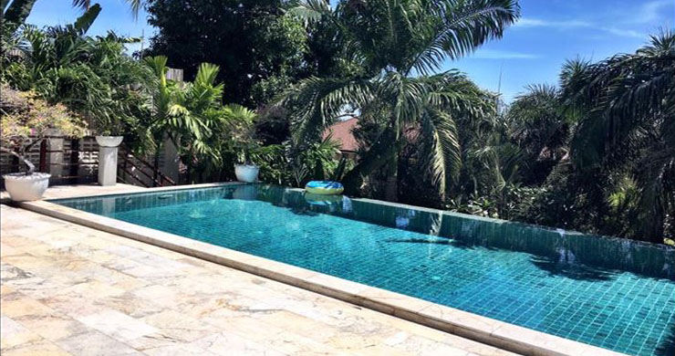 Exclusive 3 Bedroom Luxury Pool Villa in Maenam-3