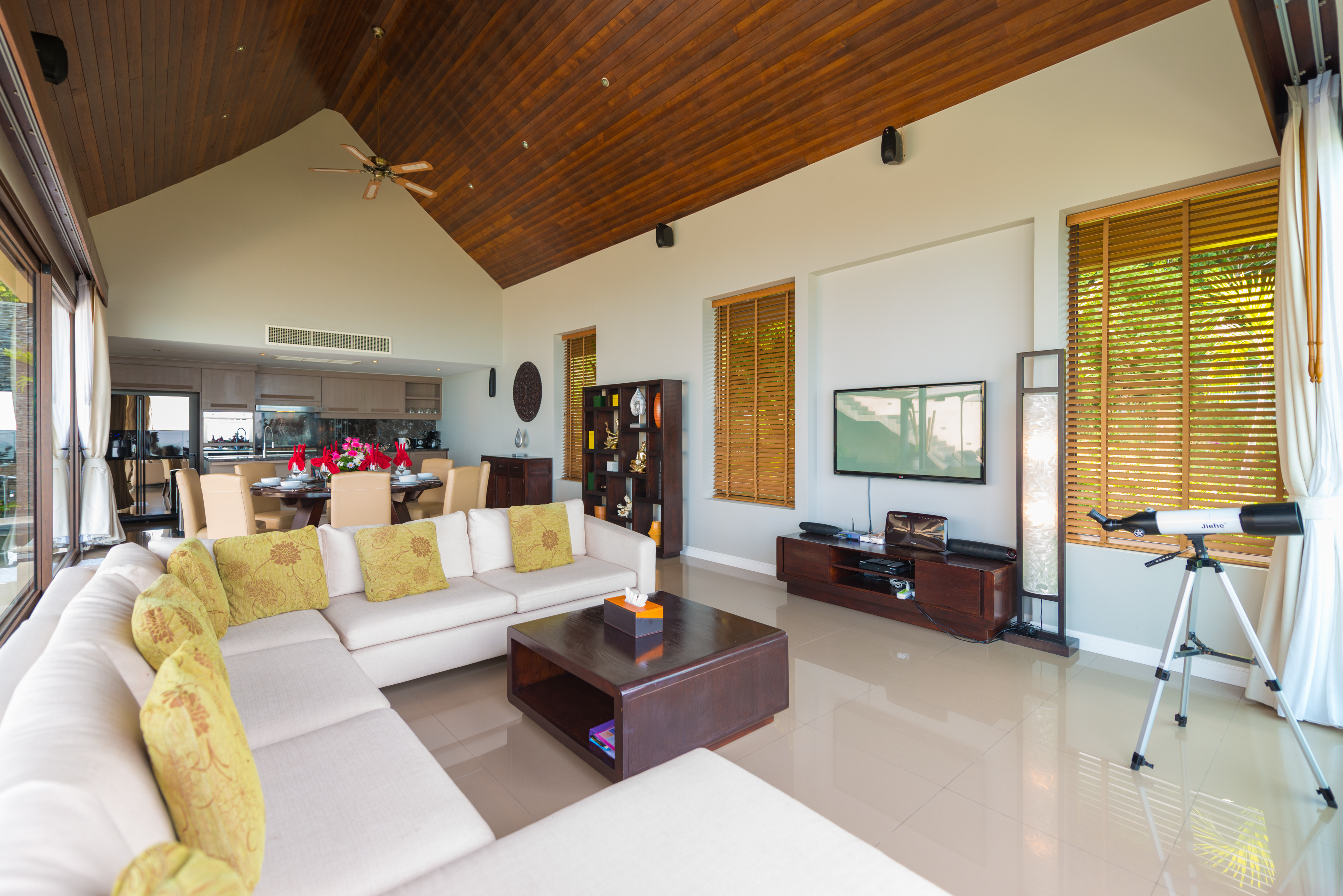 Beautiful 4 Bedroom Luxury Sea View Villa in Chaweng-4