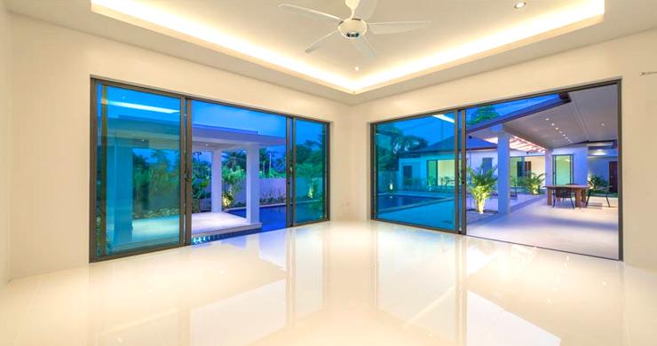 Luxury 3 Bedroom Bali Design Pool Villa in Maenam-5