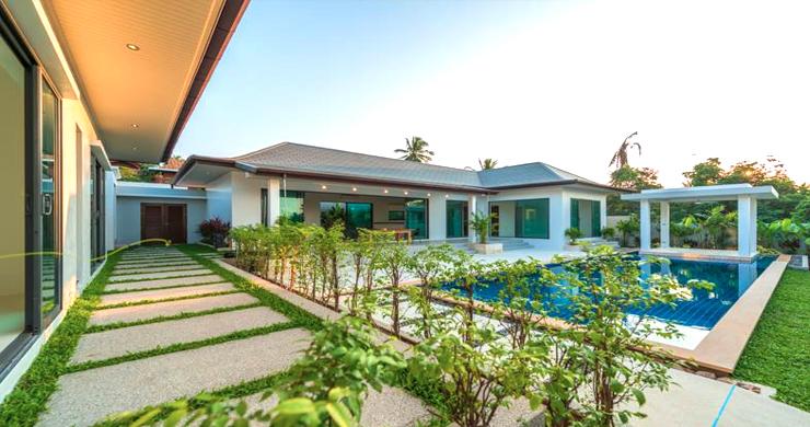 Luxury 3 Bedroom Bali Design Pool Villa in Maenam-6
