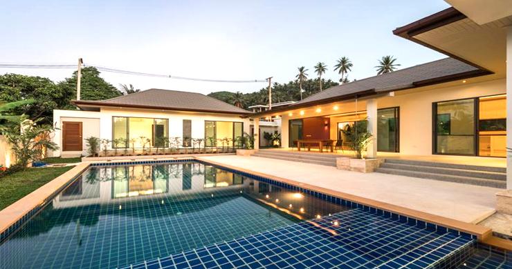 Luxury 3 Bedroom Bali Design Pool Villa in Maenam-17