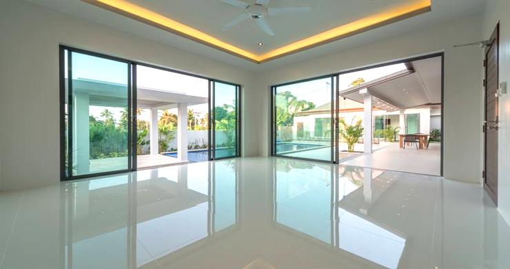 Luxury 3 Bedroom Bali Design Pool Villa in Maenam-12