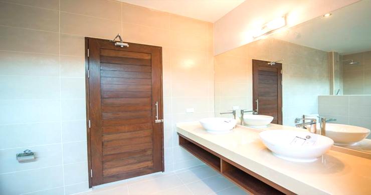 Luxury 3 Bedroom Bali Design Pool Villa in Maenam-8