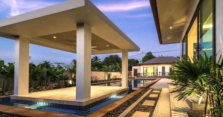 Luxury 3 Bedroom Bali Design Pool Villa in Maenam-10