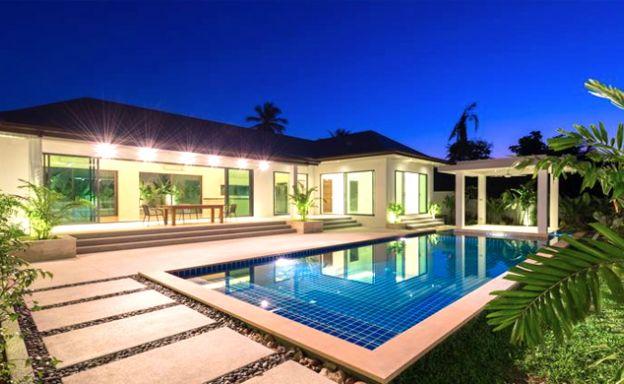 Luxury 3 Bedroom Bali Design Pool Villa in Maenam