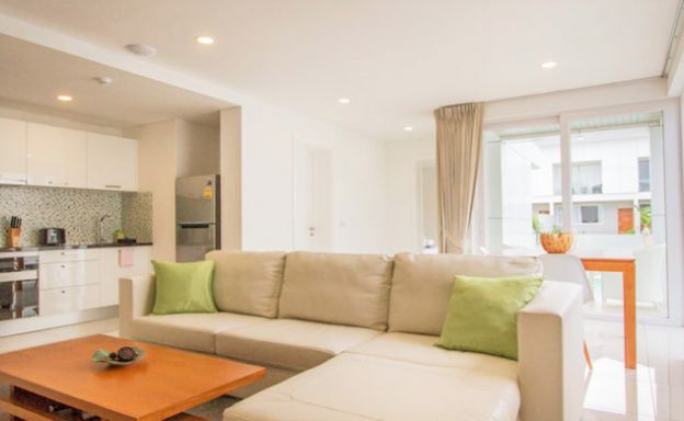 Large luxury 1 Bedroom Freehold Condo in Choeng Mon