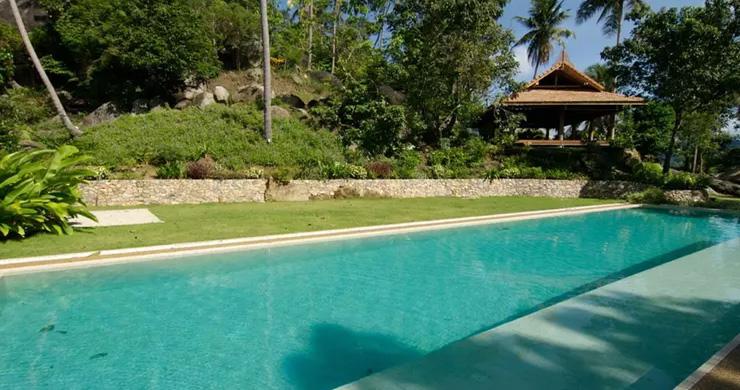 Beautiful 3 Bedroom Waterfall Luxury Villa in Laem Set-16