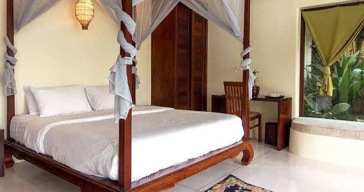 Beautiful 3 Bedroom Waterfall Luxury Villa in Laem Set-9