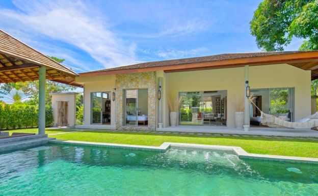 Beautiful 3 Bedroom Luxury Bali Pool Villa in Bangrak
