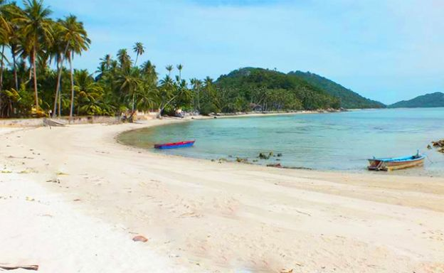 Peaceful Beachfront Land for Sale in Taling Ngam