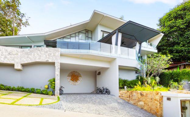 Modern 4-5 Bedroom Luxury Villas for Sale in Bang Por